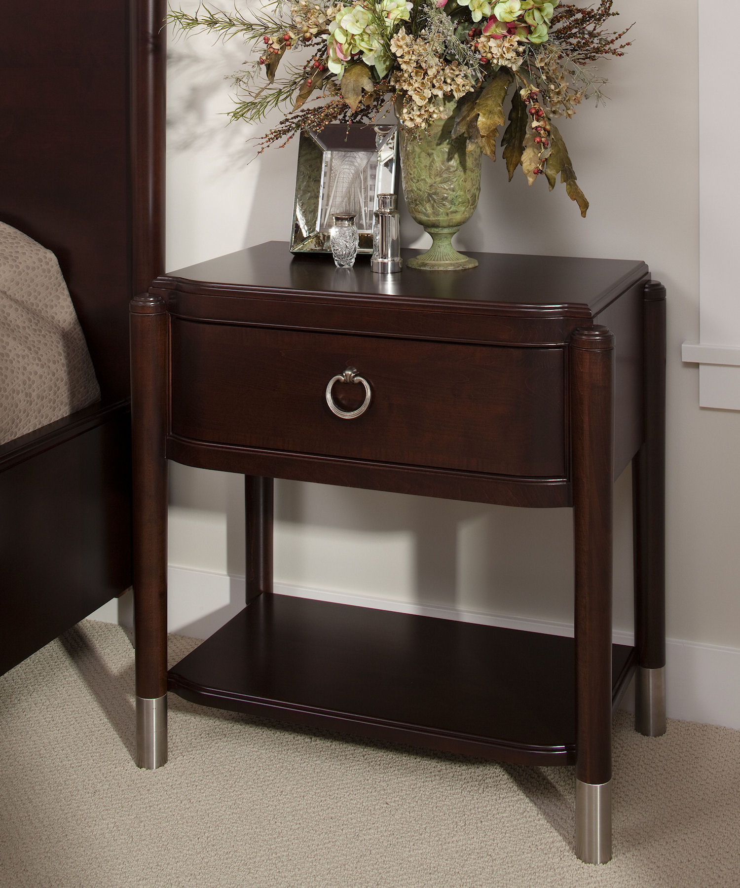 4013 bedside table (1)