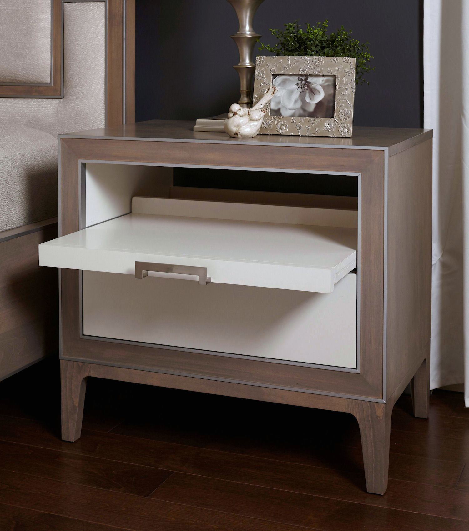 8013 Night Stand With Pullout Shelf